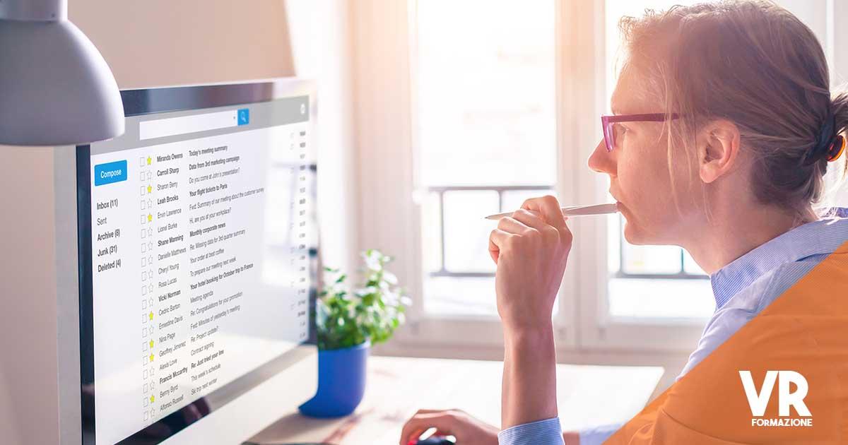scrivere mail per inviare il curriculum
